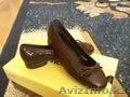 продам туфли новые бордовые размер35